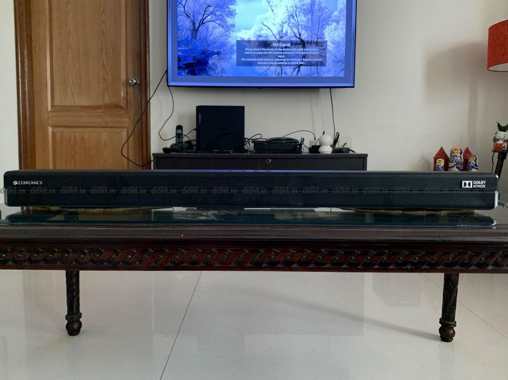 La barra de sonido se adapta bien a televisores de 50 y 55 pulgadas.