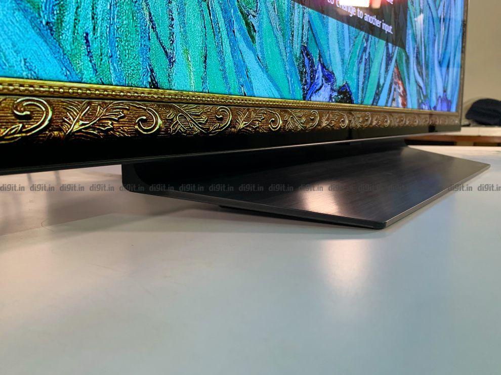 El LG CX tiene un soporte angular.