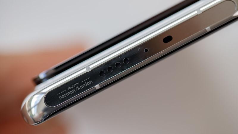Xiaomi Mi 11 Ultra camera module thickness
