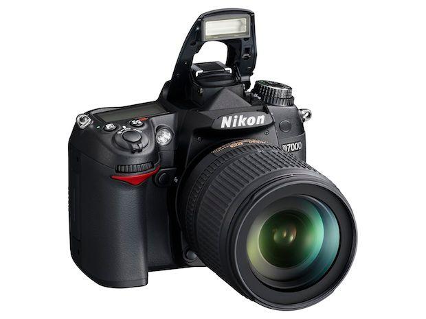 Nikon D7000 flash up
