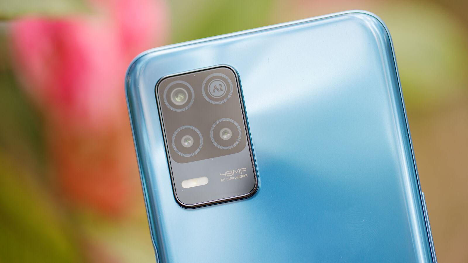 Realme 8 5G rear cameras