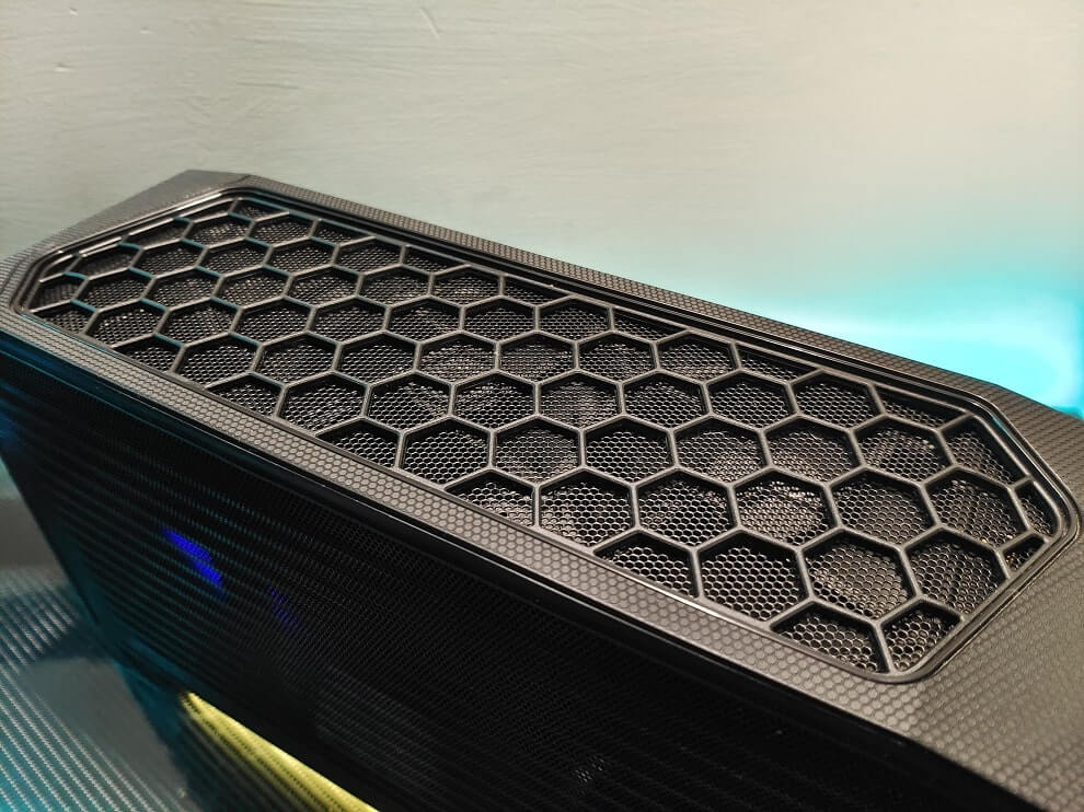 Intel NUC 11 Extreme Kit Top Fans
